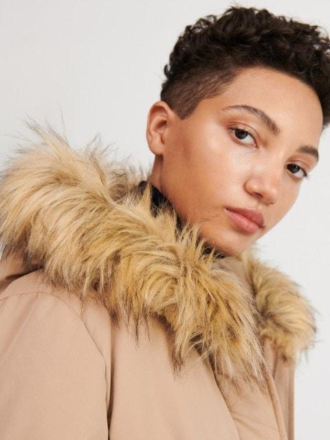 Kabát spodšívkou zrecyklované látky
