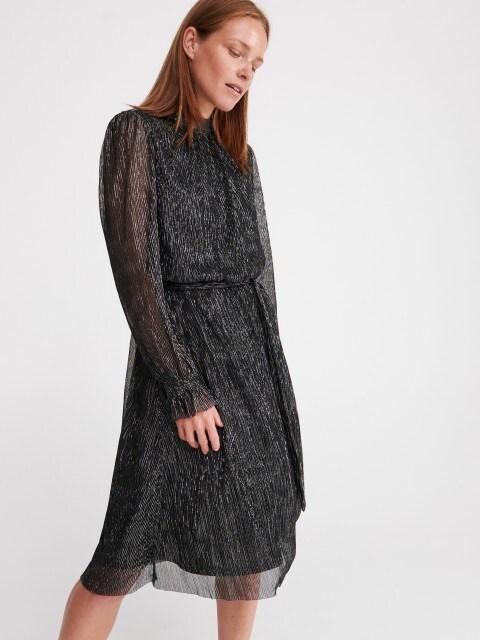 Lesklé šaty