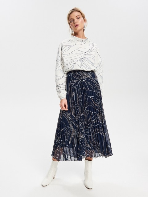 Plisovaná sukně slineárním designérským potiskem