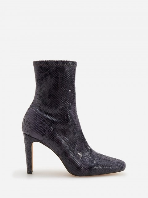 Ankle Boots in Schlangen-Optik