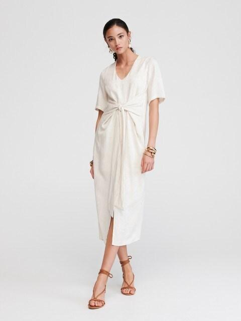 Kleid mit dekorativem Gürtel