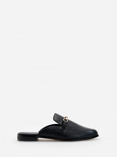 Mule style shoes