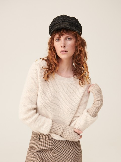 Sweater with boat neckline