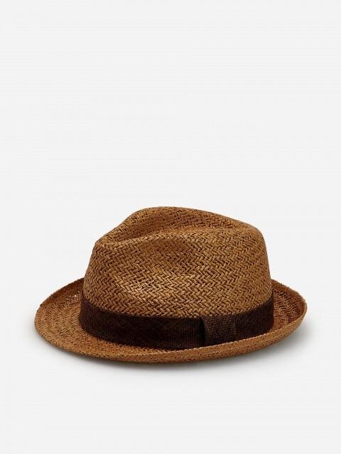 Pabernöörist punutud õlgkübar