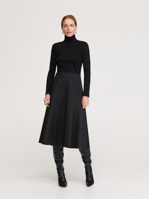 Jersey de algodón mercerizado con cuello cisne