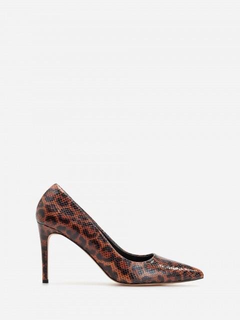 Zapatos de salón de tacón alto