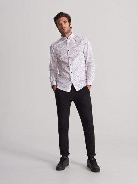 Camisa regular fit con motivos navideños