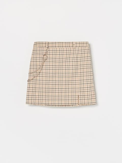 Skirt with detachable chain