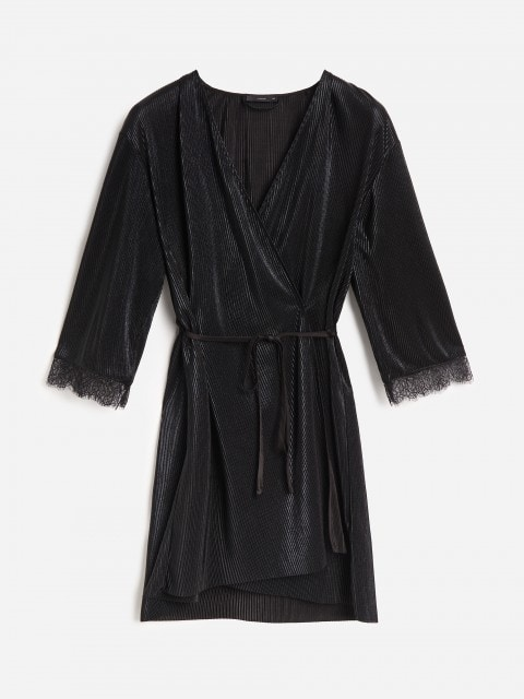 Robe with lace detail