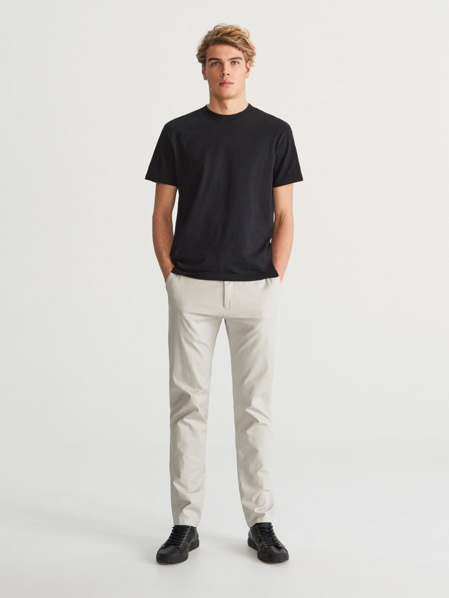 Fitted chinos with belt