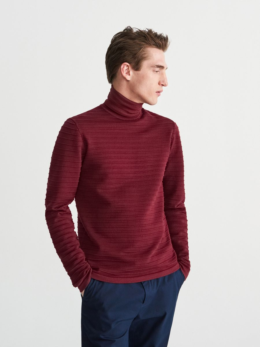 Textured knit turtle-neck