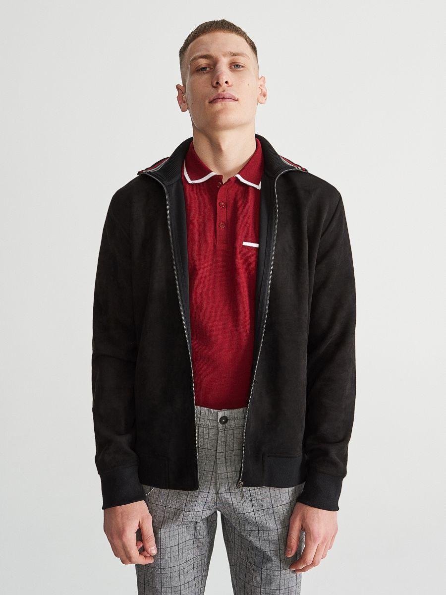 Zipped sweatshirt with hood