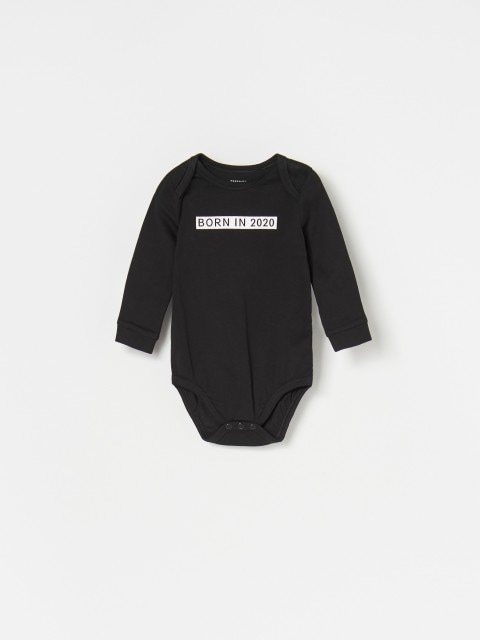 Baby bodysuit, trousers and hat