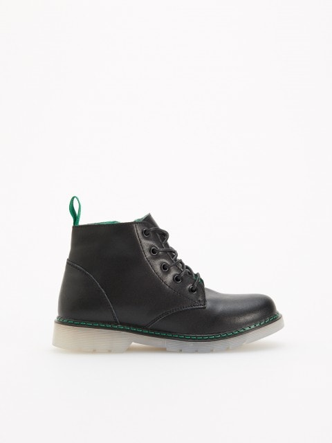 Insulated leather boots