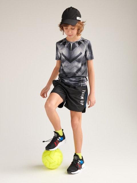 Könnyű, sportos rövidnadrág