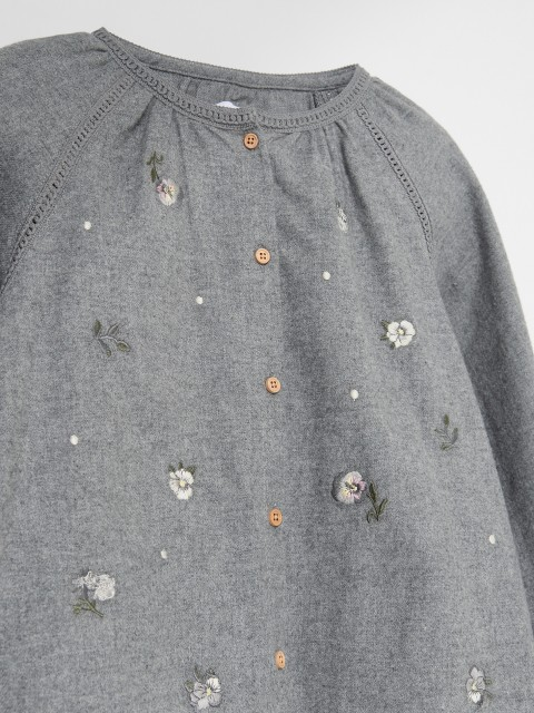 Cotton blouse with embroidered details