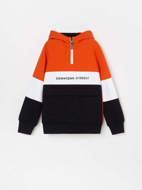 Sports hoodie with 1/4 zip