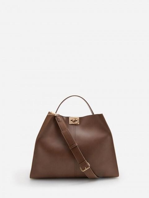 Bag with detachable strap