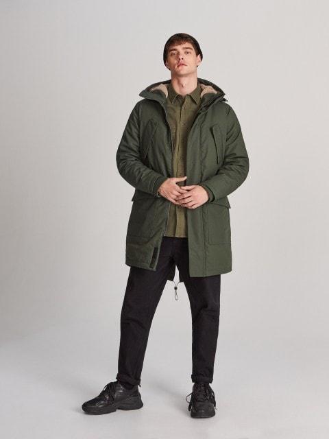 Pašiltintas paltas su gobtuvu