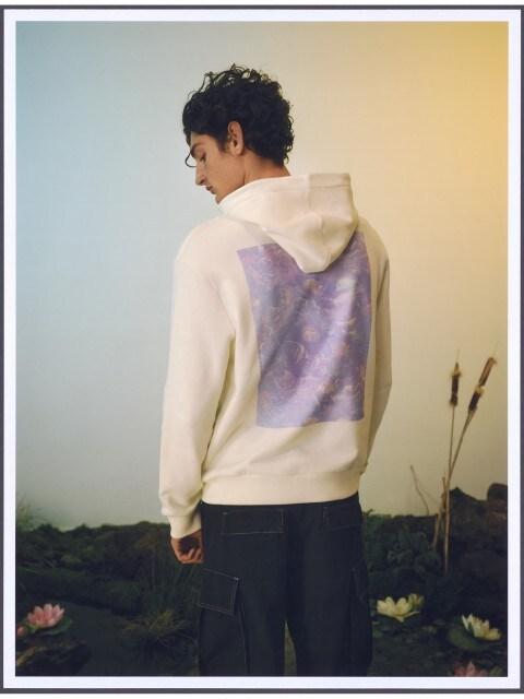 Džemperis su kengūros kišene ir gobtuvu