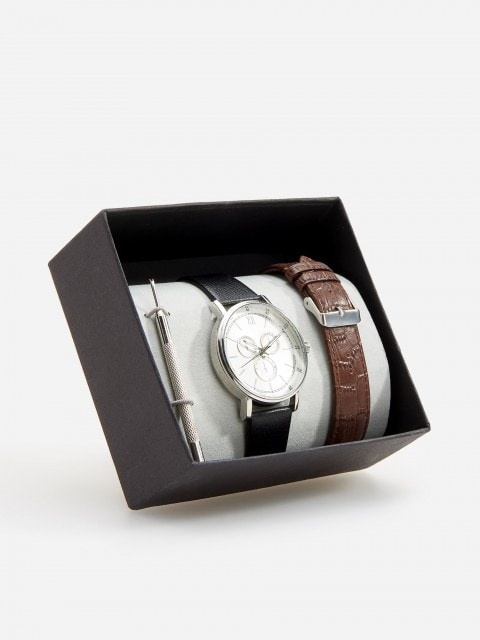 Watch with leather straps