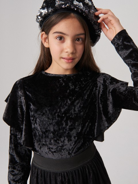 Velour body with ruffle sleeves
