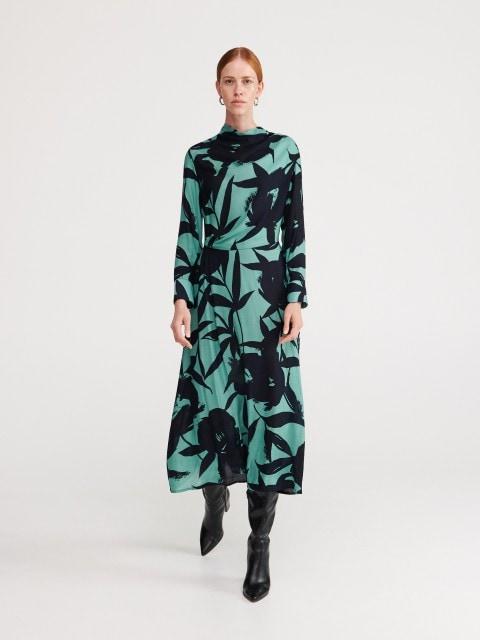 Žakarda auduma kleita