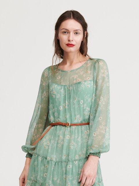 Midi garuma kleita ar sasienamu jostu vidukļa daļā