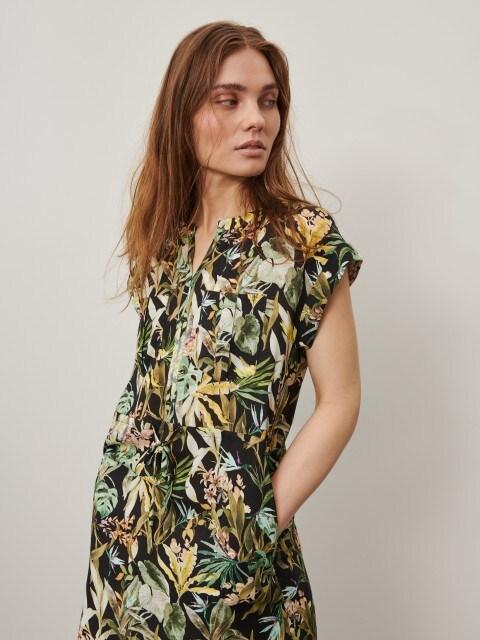 Rakstaina kleita