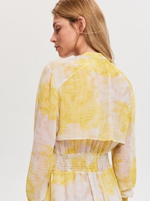 Sukienka maxi z motywem tie-dye