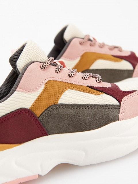 Sneakersy z łączonych materiałów