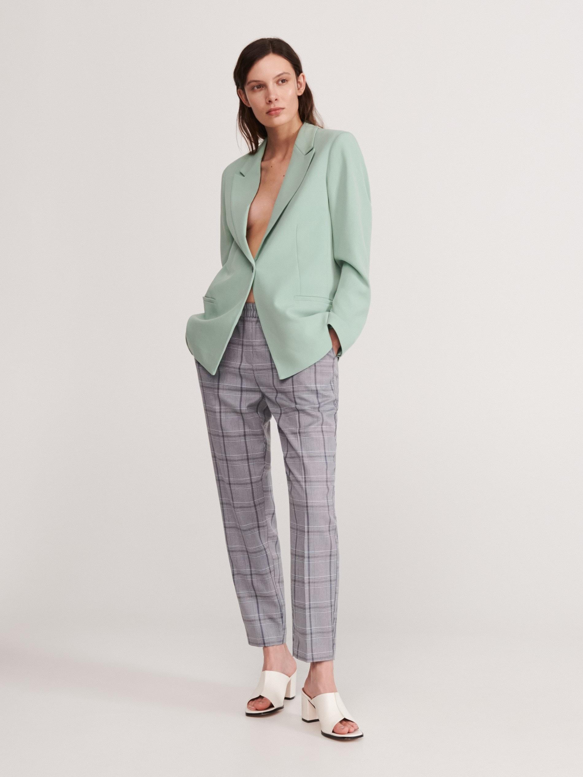 Spodnie w kratę z elastyczną talią