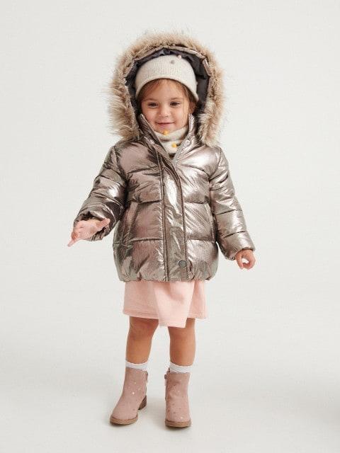 Pikowana kurtka z połyskiem