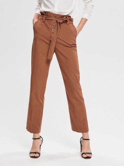 Pantaloni drepți