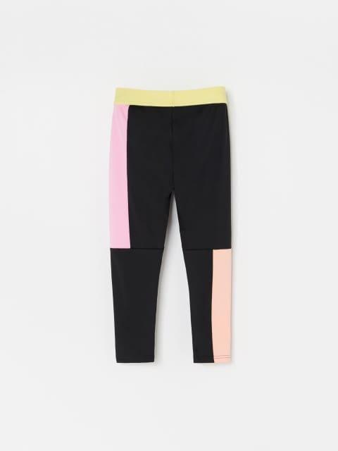 Pantaloni în stil sport, din țesături combinate
