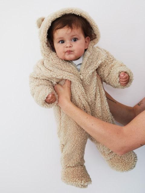 Pijama-salopetă cu urechiușe decorative