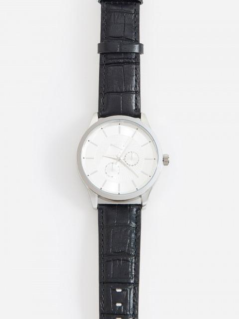 Часы с кожаными ремешками