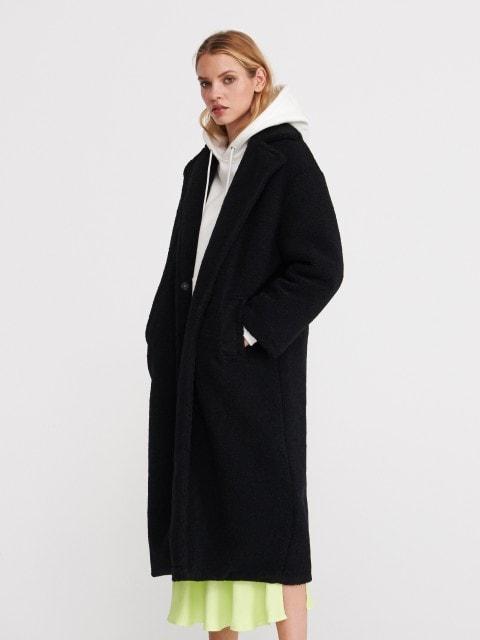 Пальто из искусственной овчины