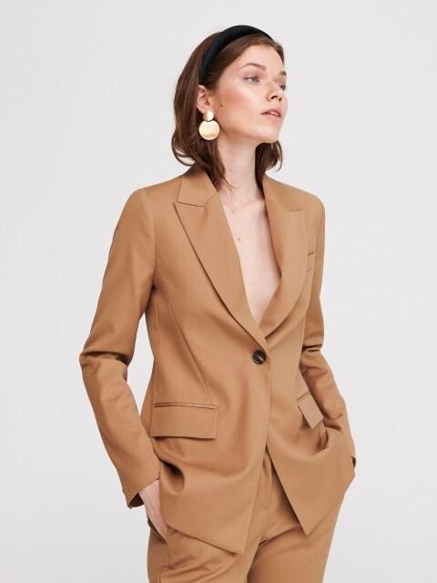 Костюмный пиджак
