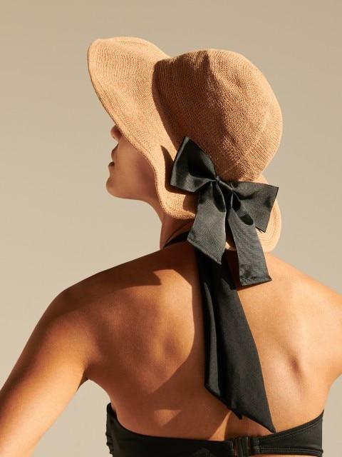 Плетеная шляпа с бантом