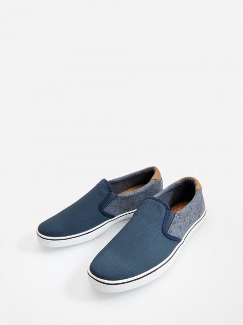 Topánky typu slip on